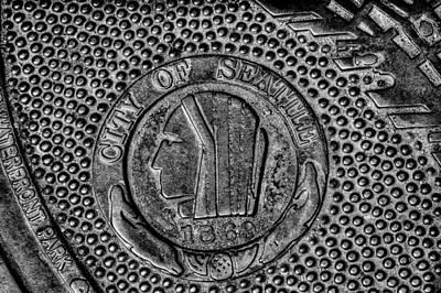 Manhole Photograph - Seattle Grid Manhole Cover by David Patterson