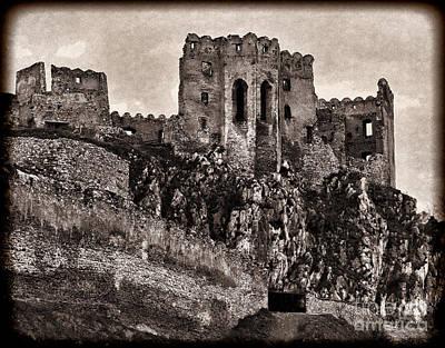 Photograph - Spooky Castle by Les Palenik