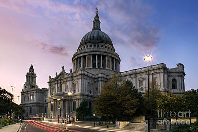 Traffic Light Photograph - St Paul's London by Rod McLean