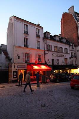 Street Photograph - Street Scenes - Paris France - 01133 by DC Photographer
