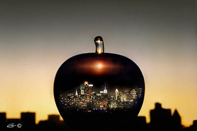 Photograph - The Big Apple by Etti PALITZ