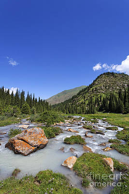 Kyrgyzstan Photograph - The Jeti Oghuz Valley In Kyrgyzstan by Robert Preston
