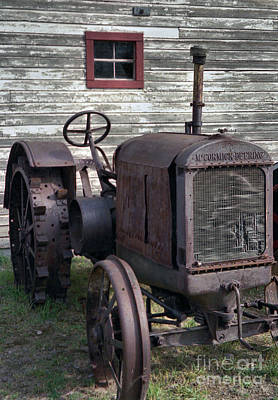 Tractor Photograph - The Old Mule  by Richard Rizzo