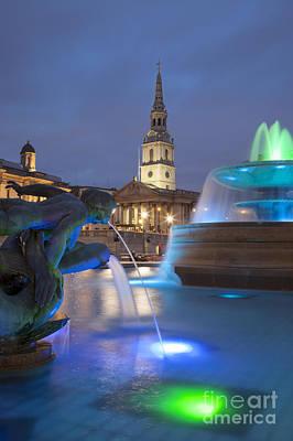 Photograph - Trafalgar Square by Brian Jannsen