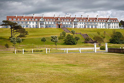 Turnberry Resort Art Print by Eunice Gibb