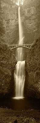 Multnomah Falls Waterfall Photograph - Usa, Oregon, Columbia River George by Walter Bibikow
