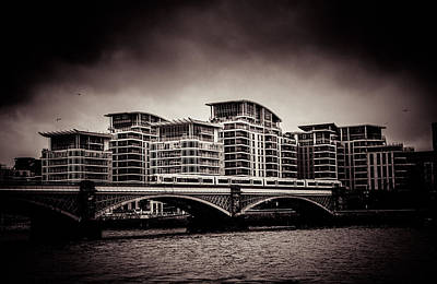 Photograph - walking along the Thames by Lenny Carter