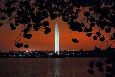 Art Print featuring the photograph Washington Monument by Suzanne Stout