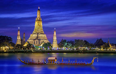 Phuket Photograph - Wat Arun by Anek Suwannaphoom