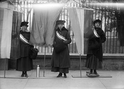Photograph - White House Suffragettes by Granger