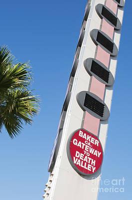 Photograph - World's Tallest Thermometer by Dan Suzio