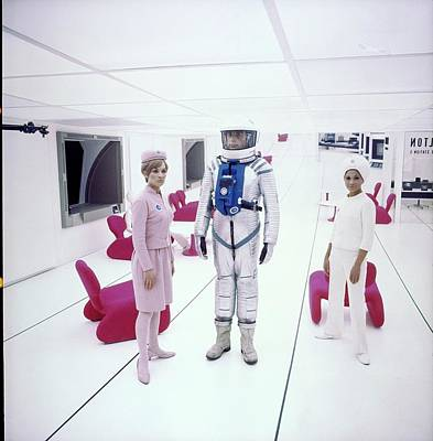 Photograph - '2001: A Space Odyssey' Actors On Set by John Cowan