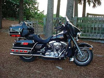Photograph - 2002 Electra Glide Classic by Bruce Kessler