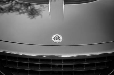 Photograph - 2006 Lotus Grille Emblem -0012bw by Jill Reger