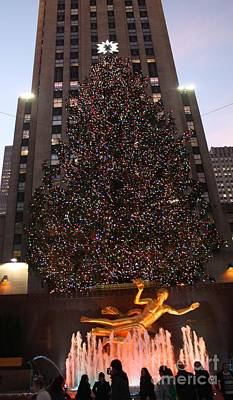 Photograph - 2012 Nyc Christmas Tree At Rockefeller Center by John Telfer