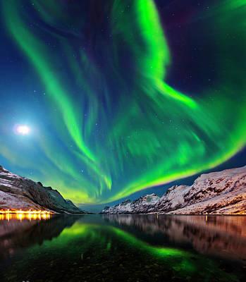 Snowy Night Photograph - Aurora Borealis by Babak Tafreshi