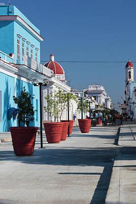 Cuba Photograph - Cuba, Cienfuegos Province, Cienfuegos by Walter Bibikow