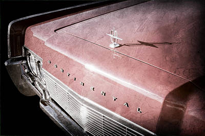 Lincoln Photograph - 1967 Lincoln Continental Hood Ornament - Emblem by Jill Reger