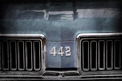 Oldsmobile Photograph - 1970 Oldsmobile 442 Grille Emblem by Jill Reger