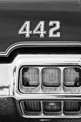 Photograph - 1972 Oldsmobile 442 Taillight Emblem by Jill Reger