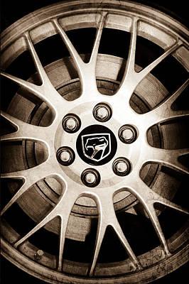 Viper Wall Art - Photograph - 1998 Dodge Viper Gts-r Wheel Emblem by Jill Reger