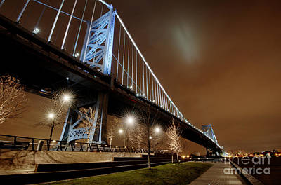 Ben Franklin Bridge At Night Art Print by Mark Ayzenberg
