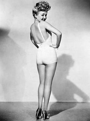 Photograph - Betty Grable (1916-1973) by Granger