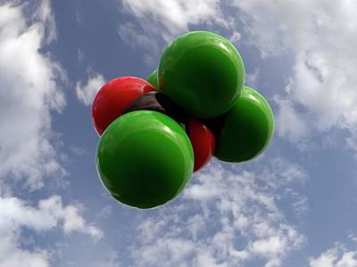 Atom Photograph - Diphosgene Molecule by Indigo Molecular Images