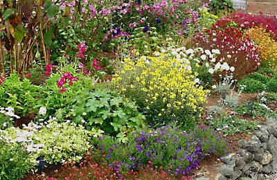 Painting - English Garden by Ellen Henneke