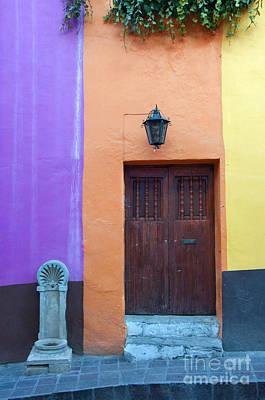 Guanajuato, Mexico Art Print by John Shaw