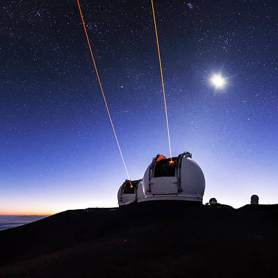 Technology Photograph - Guide Lasers Over Mauna Kea Observatories by Babak Tafreshi