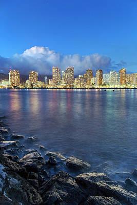 Honolulu Skyline Art Print