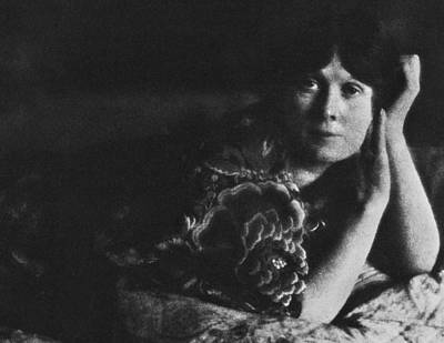 Pictorialism Photograph - Isadora Duncan (1877-1927) by Granger