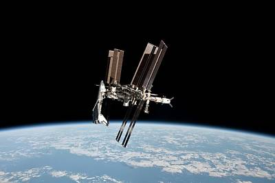 Iss And Space Shuttle Art Print by Nasa/science Photo Library