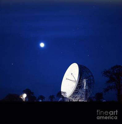 Moonlit Night Photograph - Jodrell Bank Observatory by Richard Kail