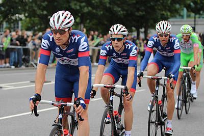 Tower Of London Photograph - London Uk 22nd September 2013. The Tour Of Britain Cycling Race  by Ash Sharesomephotos