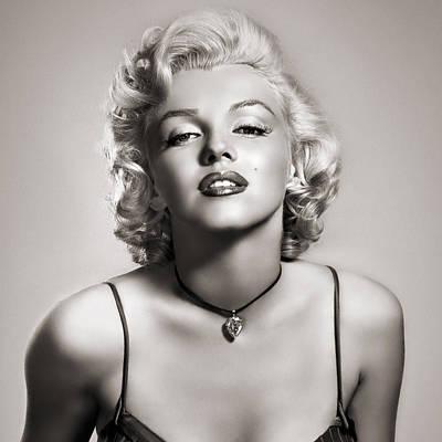 Marilyn Monroe Digital Art - Marilyn by Sagarin