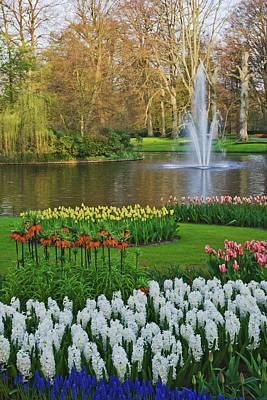Keukenhof Gardens Photograph - Netherlands, Lisse by Jaynes Gallery
