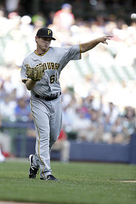 Photograph - Pittsburgh Pirates V Milwaukee Brewers by Mike Mcginnis