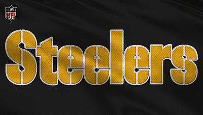 Pittsburgh Steelers Photograph - Pittsburgh Steelers Uniform by Joe Hamilton
