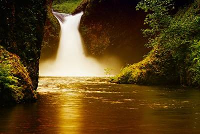 Upper Punch Bowl Falls Photograph - Upper Punch Bowl Falls by Jeff Swan