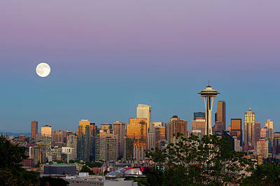 Wa, Seattle, Skyline View From Kerry Art Print