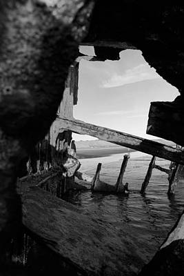 Peter Iredale Photograph - Wreck Of The Peter Iredale by J Billera