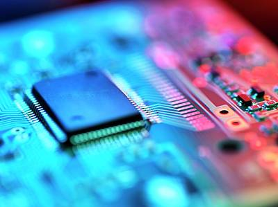 Component Photograph - Circuit Board by Tek Image
