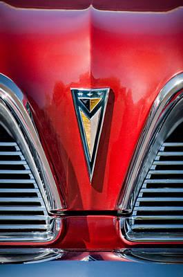 Catalina Wall Art - Photograph - 1961 Pontiac Catalina Grille Emblem by Jill Reger