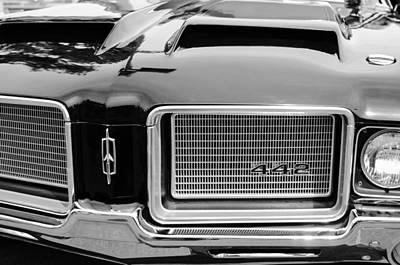 Oldsmobile Photograph - 1972 Oldsmobile 442 Grille Emblem by Jill Reger