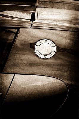2008 Photograph - 2008 Bugatti Veyron Emblem by Jill Reger