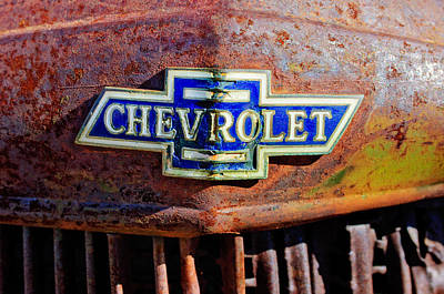 Rusty Cars Wall Art - Photograph - Chevrolet Grille Emblem by Jill Reger