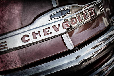 Old Chevy Truck Wall Art - Photograph - Chevrolet Pickup Truck Grille Emblem by Jill Reger