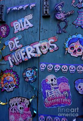 School Tote Bags - Dia de los muertos by De La Rosa Concert Photography